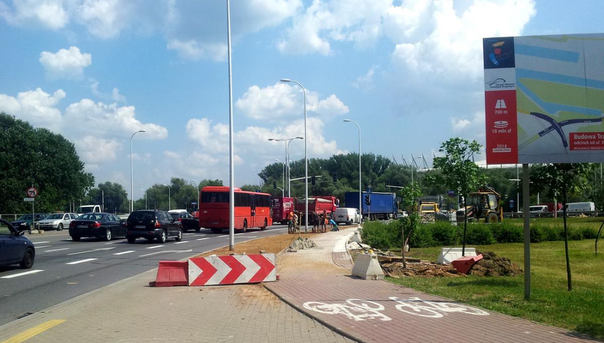 Przebudowa drogi dla rowerów i przejazdów przy praskiej stronie mostu Świętokrzyskiego